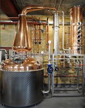 伏特加蒸馏机价格_蒸馏机,图纸蒸馏机,伏特加酒类魔附团队图片